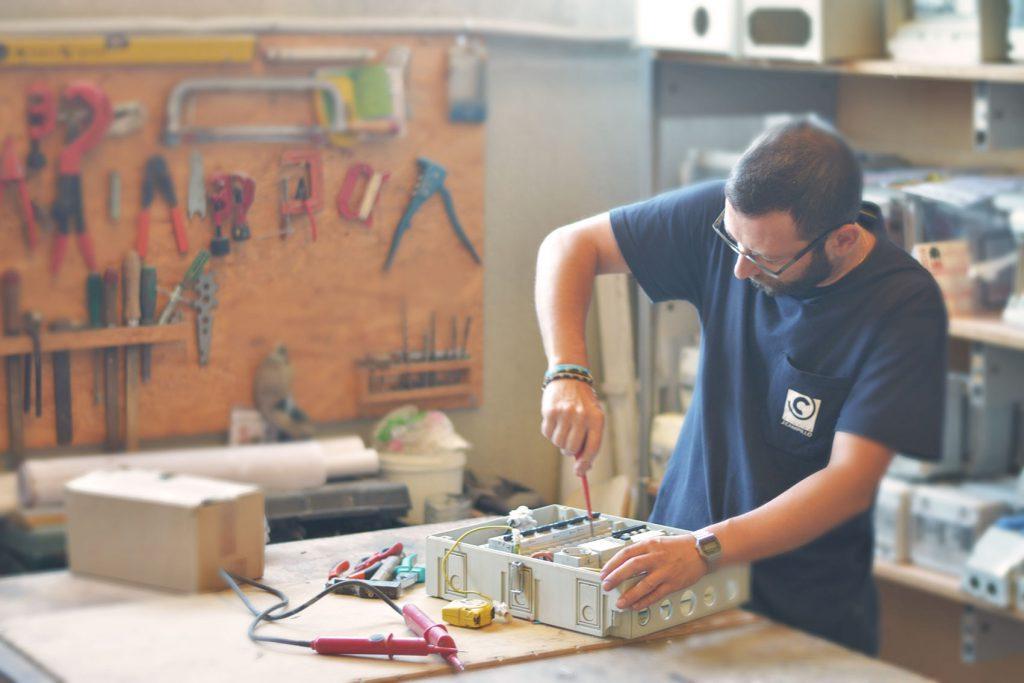 J.Campillo Nosotros-10electricidad